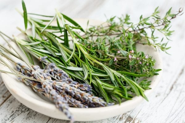 herbes_aromatiques-min